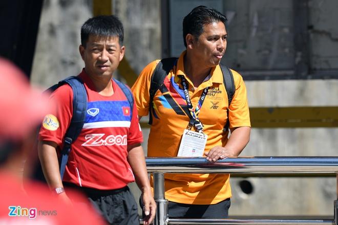 Huu Thang va hoc tro gap kho lien tiep truoc SEA Games 29 hinh anh 4