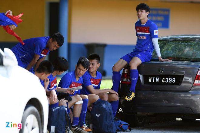 Huu Thang va hoc tro gap kho lien tiep truoc SEA Games 29 hinh anh 6