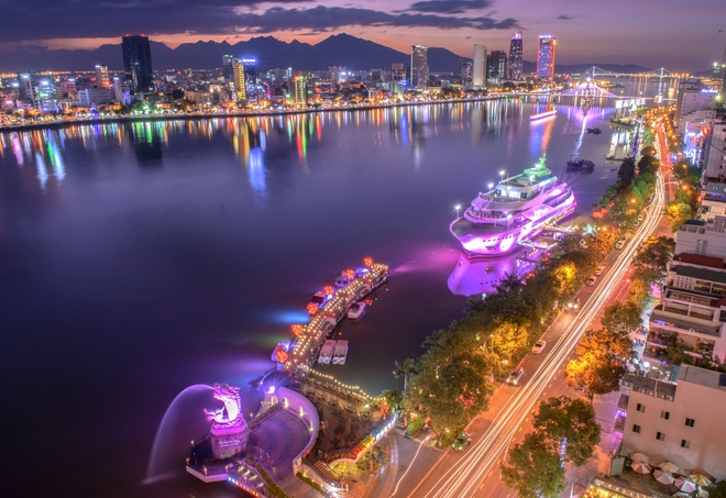 Da Nang trang hoang ruc ro chao don Tuan le cap cao APEC 2017 hinh anh