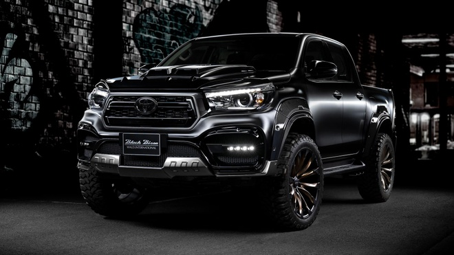 Toyota Hilux do can truoc giong xe Mercedes-AMG hinh anh