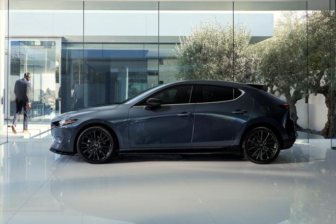 Mazda3 Turbo 2021 anh 2