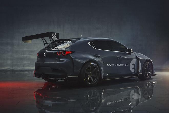 Mazda3 duong dua anh 2