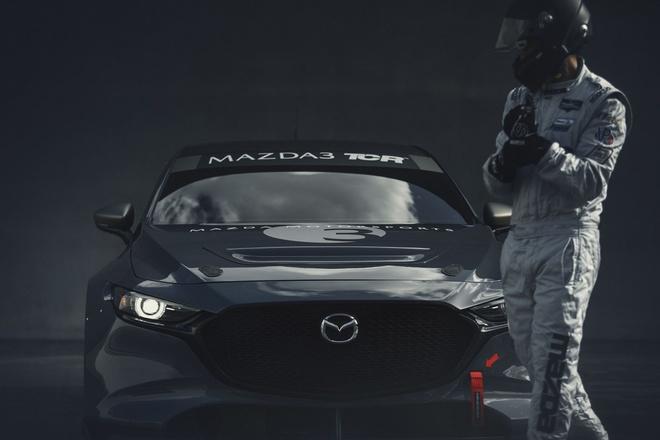 Mazda3 duong dua anh 3