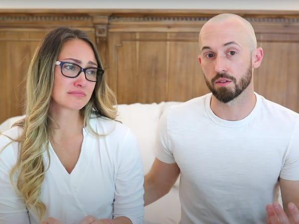 Hai vợ chồng Myka và James trong video mới nhất.