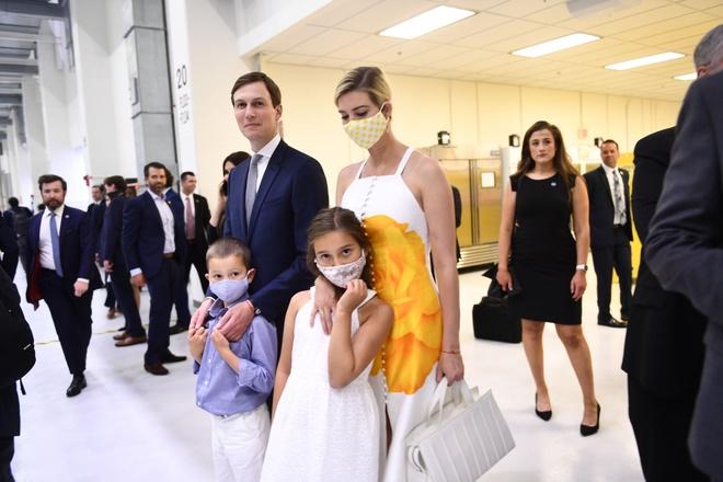 Ivanka Trump chuyen truong cho con anh 2