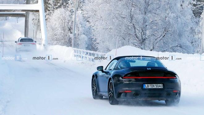 Porsche 911 Targa 2020 lo anh truoc thoi diem ra mat hinh anh 6 porsche_911_targa_spy_shots_8_.jpg