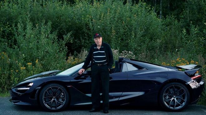 Cu ong 78 tuoi bo tien mua sieu xe McLaren 720S Spider anh 1