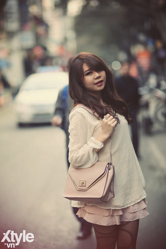 Theo chan hot girl Ha Noi di tiem nho mat tai Han Quoc hinh anh 1