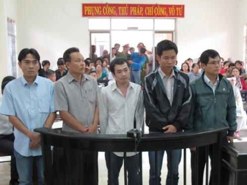 Xu phuc tham vu 5 cong an danh chet nguoi o Phu Yen hinh anh