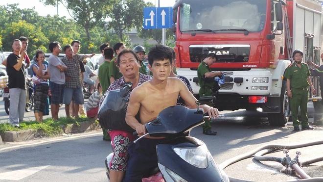 Chay lon o Sai Gon, hang tram nguoi thao chay hinh anh 7