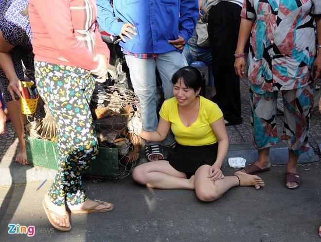 Chay lon o Sai Gon, hang tram nguoi thao chay hinh anh 11