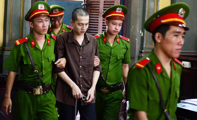 Vu tham sat Binh Phuoc: Vu Van Tien khong thoat an tu hinh hinh anh 3