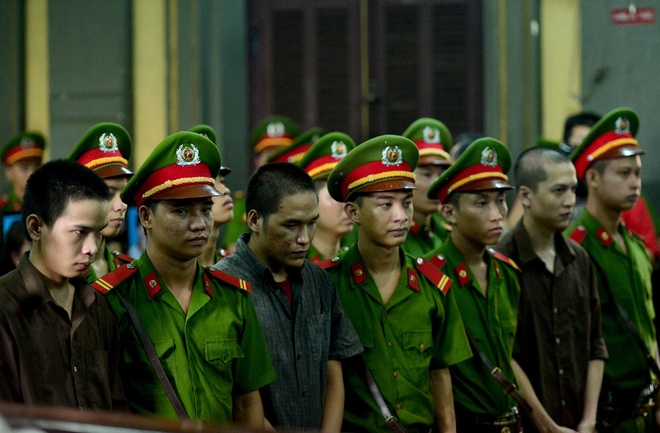 Vu tham sat Binh Phuoc: Vu Van Tien khong thoat an tu hinh hinh anh 6