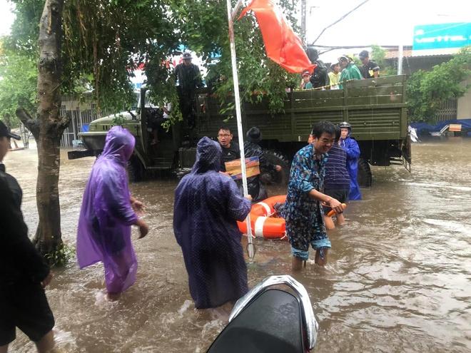 Vu mua ngap lich su o Phu Quoc: 'Co ai can giup khong?' hinh anh 2 vụ mưa ngập lịch sử ở phú quốc: 'có ai cần giúp không?' - 67713940_1423202554498969_5053074417253351424_o - Vụ mưa ngập lịch sử ở Phú Quốc: 'Có ai cần giúp không?'