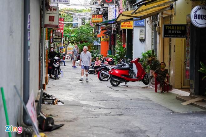 TP.HCM tim hanh khach tren chuyen bay co ca nguy co mac Covid-19 hinh anh 1 Bui_Vien_Zing_6_ChiHung.jpg