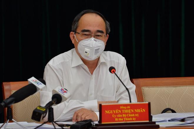 Bí thư TP.HCM phân tích vì sao Việt Nam ngăn Covid-19 tốt hơn các nước