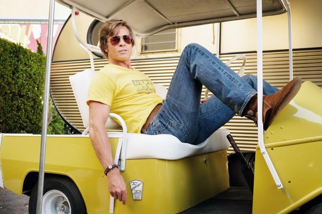 Brad Pitt va nhung chien thang lich su tai Qua cau vang 2020 hinh anh 5 Once_Upon_a_Time_in_Hollywood_brad_pitt_boots_gq.jpg