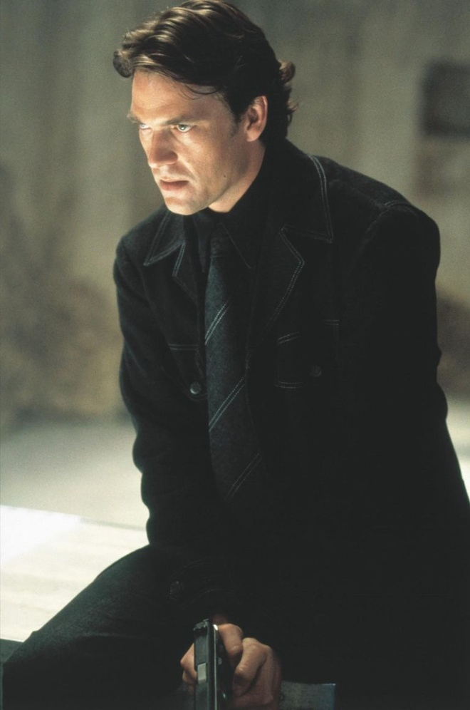 Tai tu bo lo vai di nhan Wolverine vi bi Tom Cruise ngan can hinh anh 1 1539083106_still_of_dougray_scott_in_mission_impossible_ii_2000_large_picture.jpg