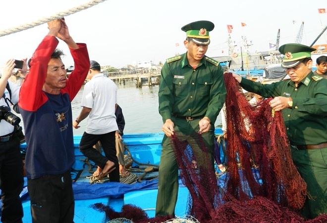 Phan doi Trung Quoc de doa tinh mang ngu dan Viet Nam hinh anh 1