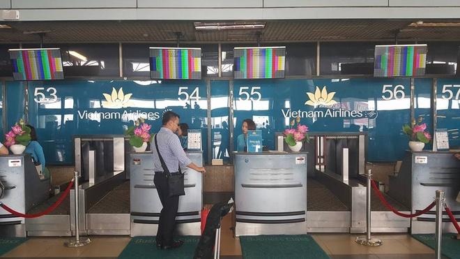 Man hinh check-in tai san bay Noi Bai bi loi hinh anh 1