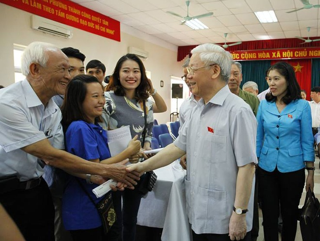Tong Bi Thu: Chong Tham Nhung Kho Vi Ta Tu Danh Vao Ta Hinh Anh