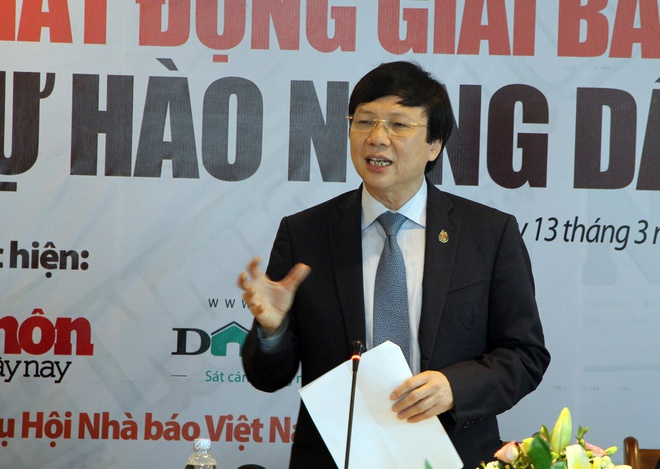 Giai bao chi 'Tu hao nong dan Viet Nam' anh 1