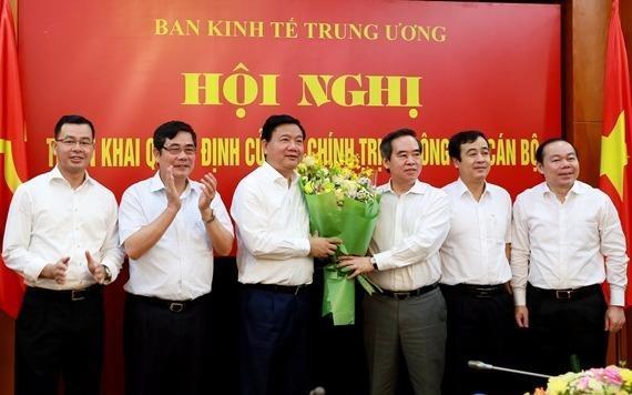 Ong Dinh La Thang nham chuc Pho ban Kinh te Trung uong hinh anh