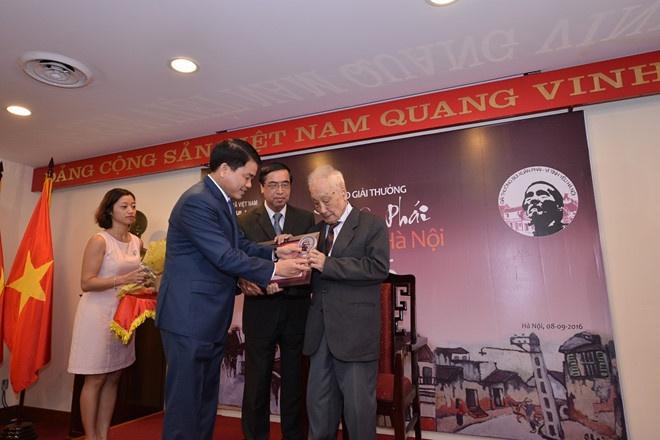 Van dong vien Duong Thuy Vi duoc xet tang 'Cong dan thu do uu tu' hinh anh 3