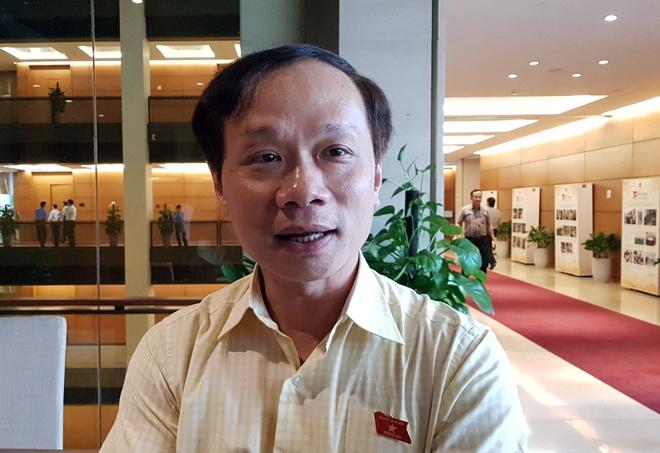 Dai bieu Quoc hoi len tieng vu MC Minh Tiep bi to bao hanh em vo hinh anh 1