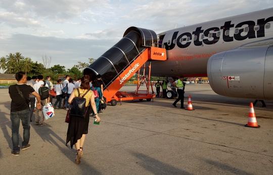 Hang loat phi cong Jetstar nghi om anh 1