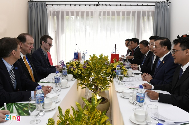 Bo truong Dinh Tien Dung tiep song phuong cac lanh dao OECD, IMF hinh anh