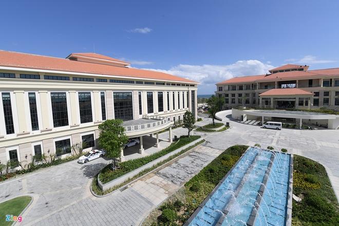 Khach san nghin ty Sheraton Danang Resort doi chu, thay dan lanh dao hinh anh