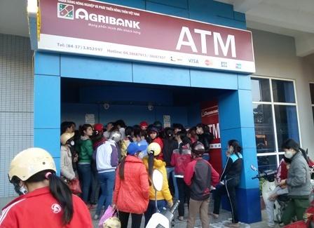 Agribank cong bo chi co 12 nguoi mat tien trong dem bi hack the ATM hinh anh