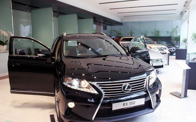 Hang Lexus chi ban duoc 3 chiec xe trong 3 thang hinh anh
