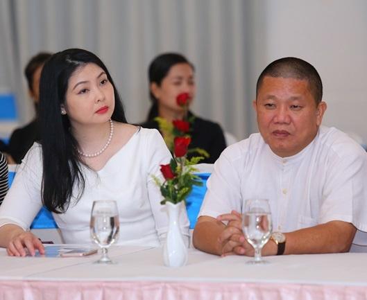 Co phieu giam manh, vo ong Le Phuoc Vu muon ban het von khoi Hoa Sen hinh anh