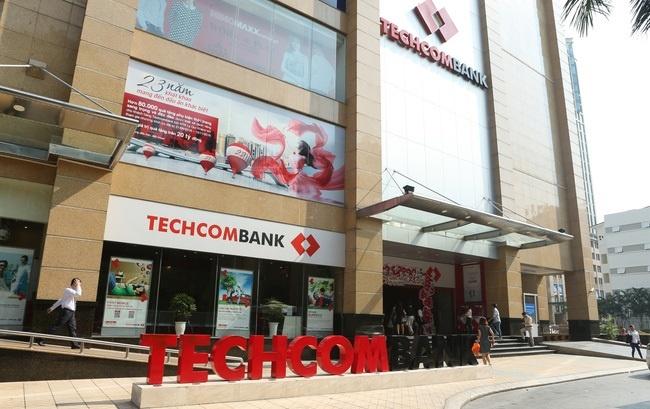 Techcombank chot gia len san 128.000 dong, von hoa 6,6 ty USD hinh anh