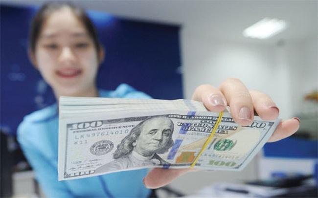 USD ngan hang lai tang, 'cho den' sat nguong 23.500 dong hinh anh