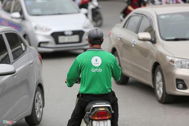 Taxi Vinasun lam an ra sao giua vong xoay kien tung voi Grab? hinh anh 2