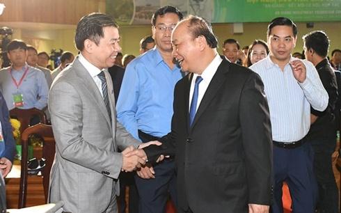 Thủ tướng mong các nhà đầu tư đều tài tình như tuyển bóng đá Việt Nam