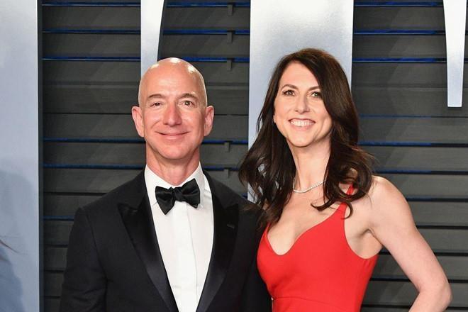 Vợ cũ tỷ phú Jeff Bezos giàu cỡ nào với khối tài sản 35 tỷ USD? - Ảnh 1