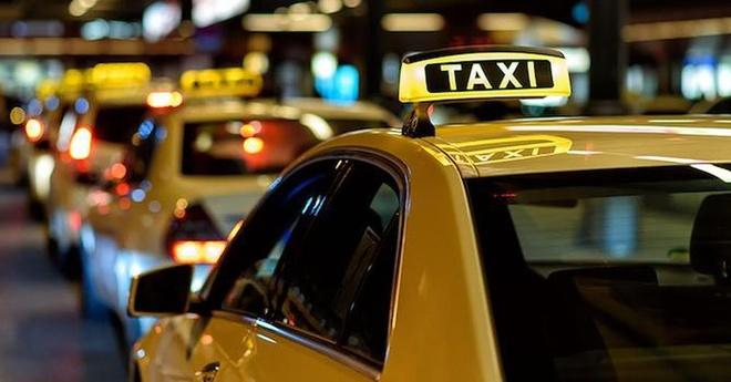Hang taxi tai Sai Gon giai the vi khong canh tranh duoc voi Grab hinh anh 1