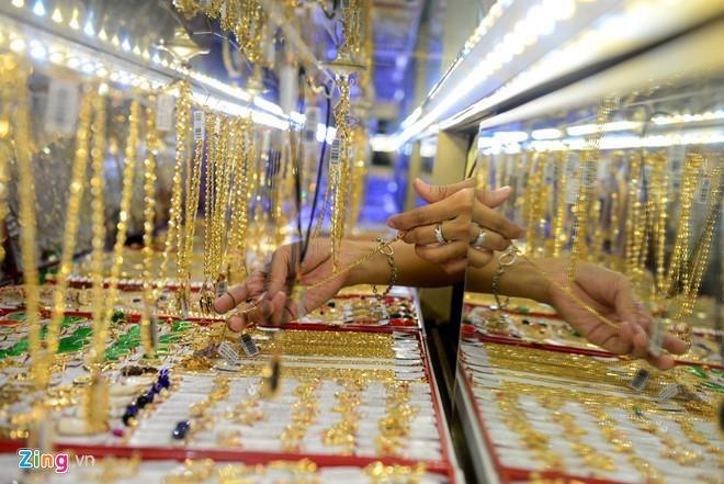 Giá vàng trong nước gần 41 triệu đồng/lượng