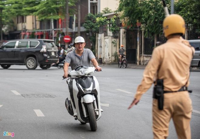 Thu tuc boi thuong bao hiem xe may ruom ra, gay kho cho nguoi mua hinh anh 1 NAM_4206_.jpg
