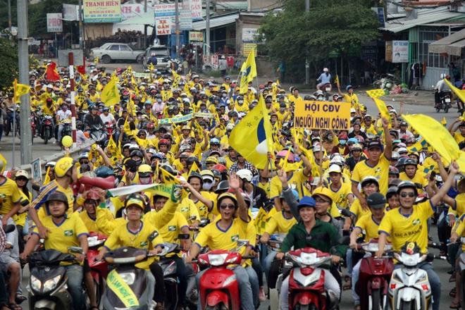 Fan xu Nghe 'dot' tram trieu phu vang san Thong Nhat hinh anh