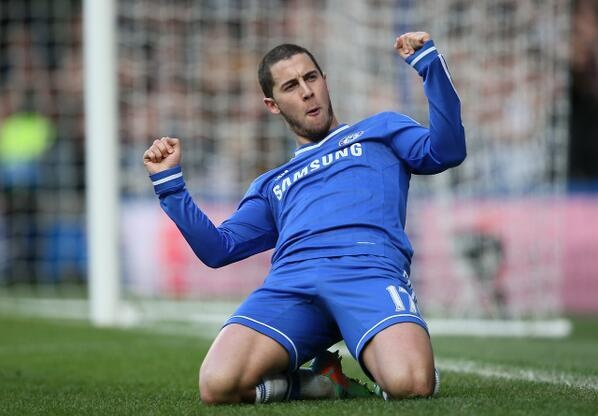 Chelsea 3-0 Newcastle: Hazard dua The Blues len dinh hinh anh