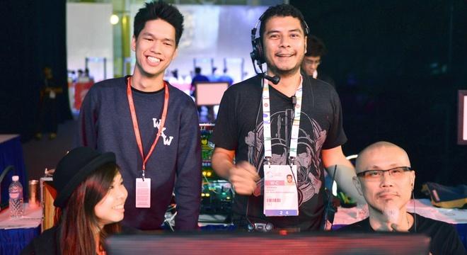 DJ choi 'Nang am xa dan' va an tuong Singapore hinh anh
