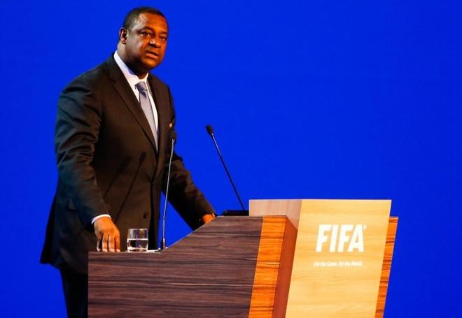 Quan chuc FIFA giau co nao? hinh anh
