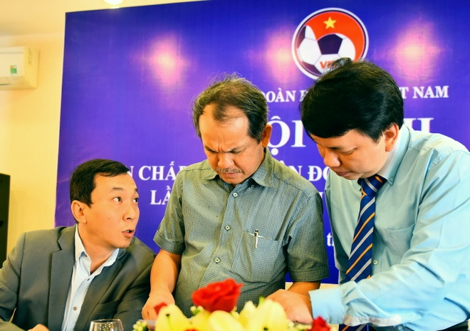 Bau Duc: VFF dung HLV noi, dat chi tieu vo dich SEA Games 29 hinh anh