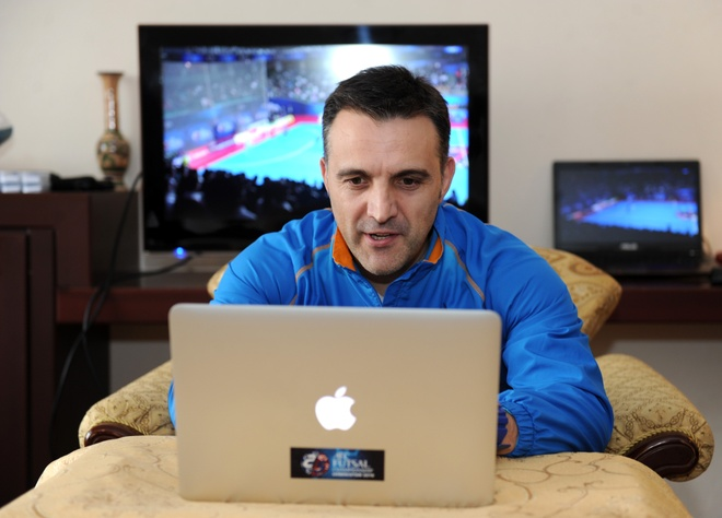 HLV Bruno: 'Futsal VN muon danh bai Thai Lan tai SEA Games' hinh anh