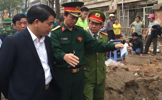 Nguyen nhan vu no lon o Ha Dong do cua vat lieu no? hinh anh